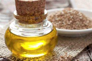 Entdecken Sie die Eigenschaften des Sesamöls. Lernen Sie die besten Kosmetikprodukte für Haare kennen